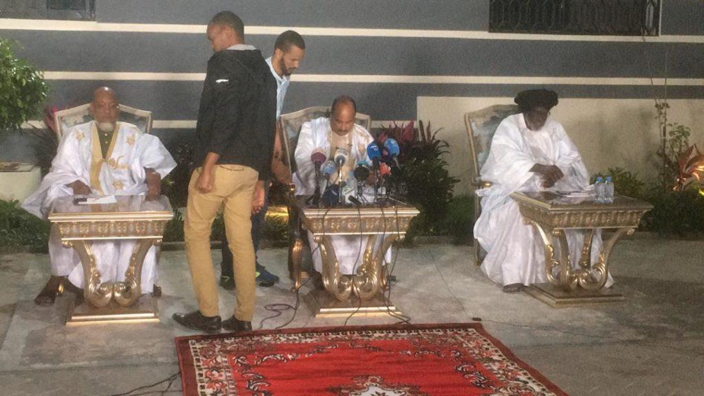 أرشيف الكترونى من المؤتمر الصحفى لولد عبد العزيز بمنزله