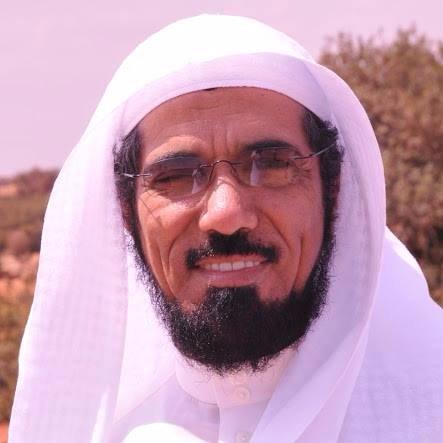 سلمان العودة المعتقل فى السعودية على تغردة دعا فيها الى التوافق بين الإخوة فى الخليج مع الشقيقة قطر