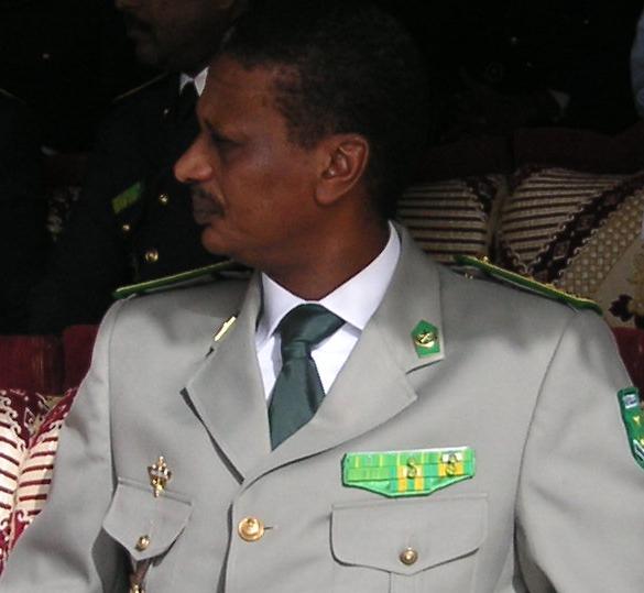 الجنرال المتقاعد افيلكس نكري