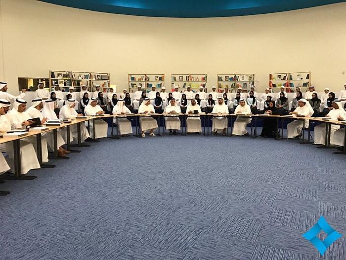 جانب من إجتماع مجلس الوزراء الإماراتي في مدرسة فاطمة بنت مبارك بإمارة رأس الخيمة